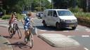 Alleen fietsers kunnen de rotonde rond.