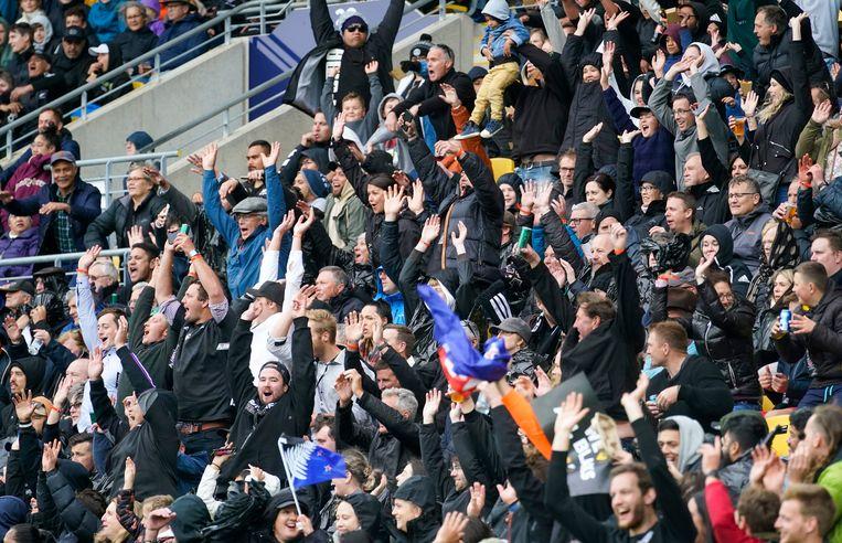 Afgelopen zaterdag speelden de All Blacks, het Nieuw-Zeelandse rugbyteam, voor een uitverkocht stadion tegen aartsvijand Australië.  Beeld Photo News