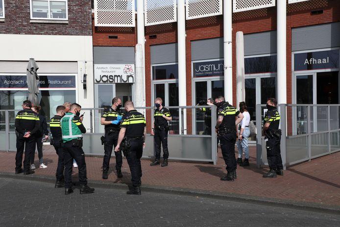In het restaurant werden twee gewonden aangetroffen.