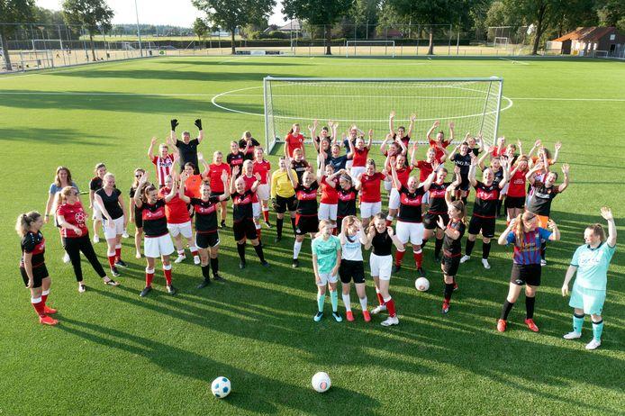 Voetbalclub Beerse Boys telt opvallend veel vrouwen en meisjes, er spelen maar liefst vijf vrouwenvoetbalteams.