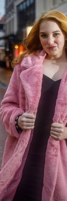 Sidney (16) uit Steenwijk is transgender en kan niet wachten tot de dag dat ze óók fysiek vrouw kan zijn