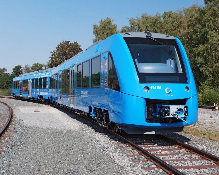 Misschien rijdt er straks geen passagierstrein op diesel, maar op waterstof zoals deze tussen Gent en Zelzate. Beeld Alstom / Michael Wittwer