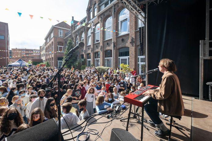 MECHELEN Ursulinen Mechelen is Te Gekke School' van het jaar en krijgt daarom een uniek optreden van Te Gek!?-ambassadeur Ibe