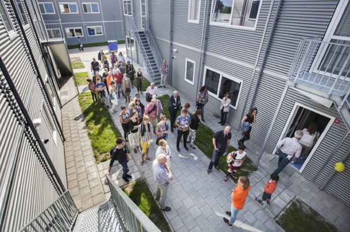 Open dag voor Rijswijkers toen het asielzoekerscentrum aan de Lange Kleiweg vijf jaar geleden werd geopend en waar in eerste instantie veel weerstand was.