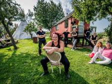 Villa Vagebond: 'Kampeerplek waar je stoeremannendingen kunt doen'
