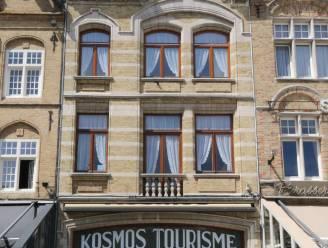 Uitbater Flanders Lodge neemt pand Kosmos Tourisme over op Grote Markt