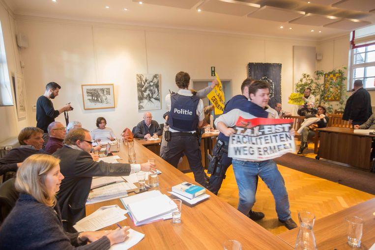 Een van de laatste acties van het Taal Aktie Komitee in onze regio vond plaats tijdens de gemeenteraad in Linkebeek