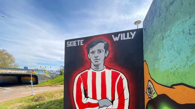 'Een boek over Skiete Willy? 'Niet nodig', vinden ze bij PSV, het gaat nu om de goals én het shirt van Zahavi'