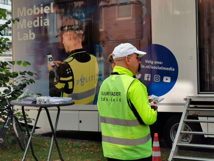 Het Mobiel Media Lab is zaterdag van tien tot drie in de wijk Holtenbroek in Zwolle