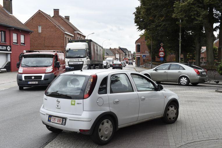 15.000 voertuigen waaronder 3.000 vrachtwagens rijden dagelijks door het centrum.