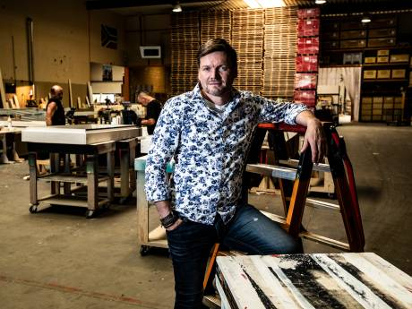 Standbouwer Michael uit Deventer gooit roer om in coronatijd, investeert kwart miljoen en redt 45 banen
