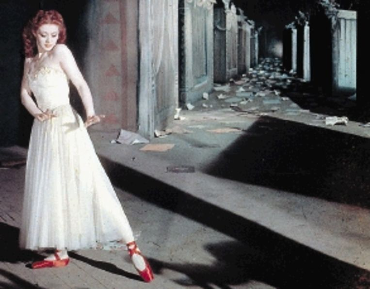 Moira Shearer in ' The Red Shoes': geen actrice maar een echte ballerina. (Trouw) Beeld