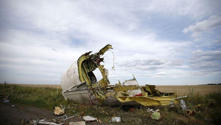 Dit wrakstuk van de Malaysia Airlines vlucht MH17 werd gevonden nabij het stadje Hrabove (Grabovo). Beeld REUTERS