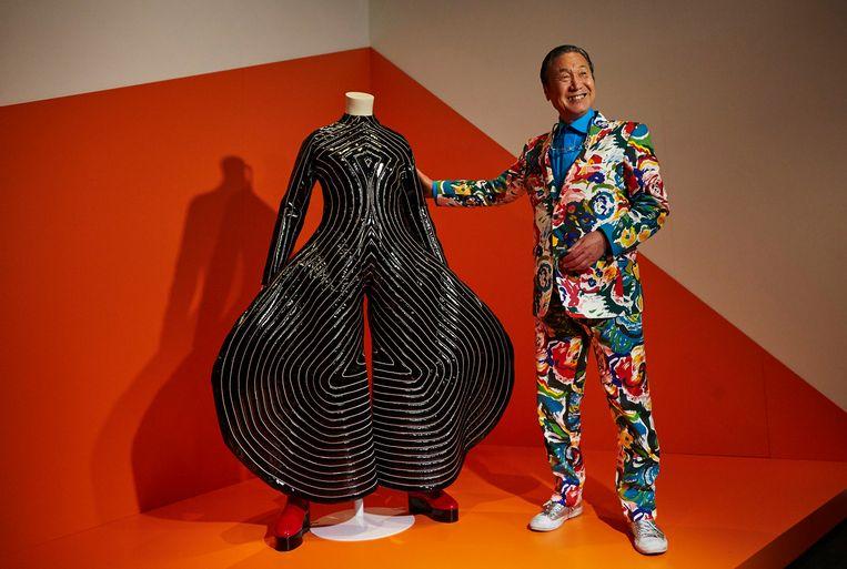 De Japanse ontwerper Kansai Yamamoto overleed vorige week op 76-jarige leeftijd.  Beeld EPA