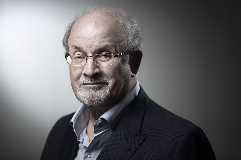 Rushdie beweegt in 'Quichot' tussen verfijnde satire en bombast waarmee hij de schreeuwerige, vluchtige junkcultuur imiteert. Beeld AFP