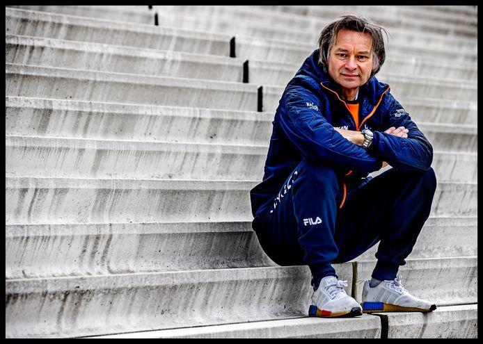 Jeroen Otter, bondscoach van de Nederlandse shorttrackers, doet zijn verhaal over Lara van Ruijven.