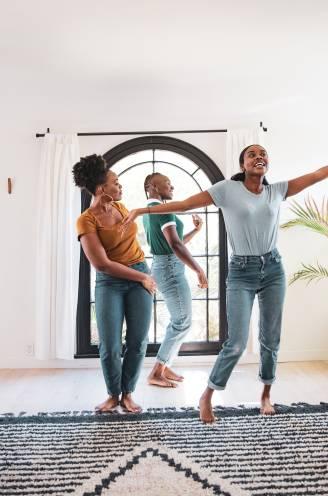 """Waarom de mens van dansen houdt en het nu zo mist: """"Evolutionair gezien vergroot dansen je overlevingskansen"""""""