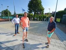 Tennissers in Deurningen gebruiken coronatijd voor renovatie clubgebouw: 'Mensen hadden de tijd, daar hebben wij van geprofiteerd'