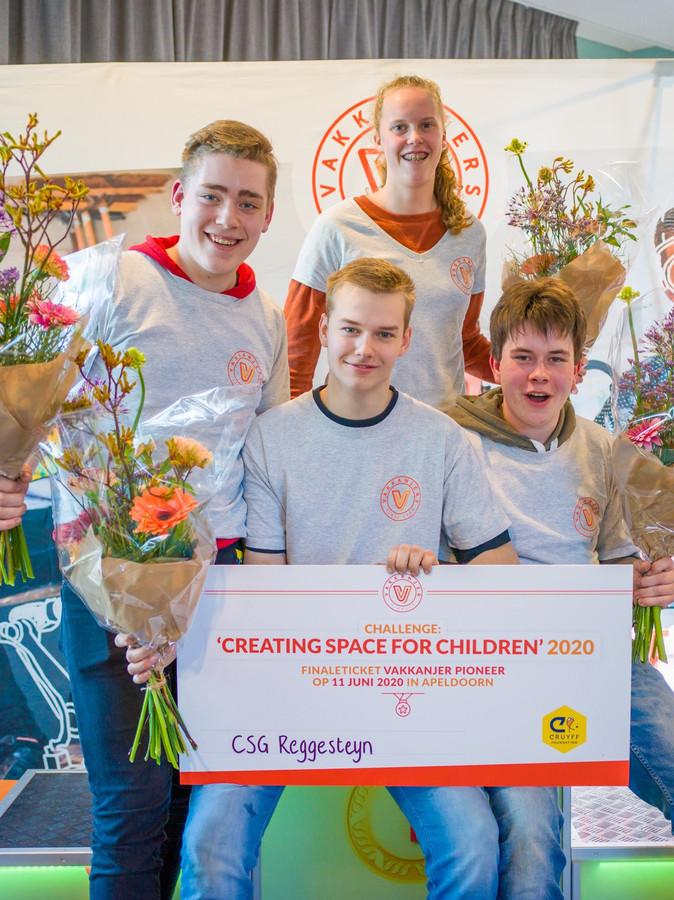 Het Pioneer-team van scholengemeenschap Reggesteyn uit Rijssen heeft - evenals het Stork College uit Hengelo - de finale van Vakkanjers bereikt.