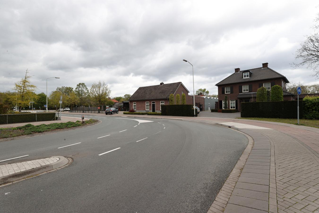 Veldstraat 5 en 7: Aldi wil het rechter huis gebruiken om parkeerplaatsen te realiseren.