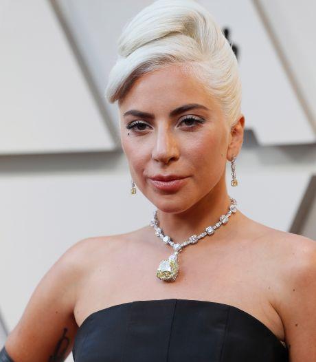 Lady Gaga zoenend gespot! En nee, het is niet met Bradley Cooper