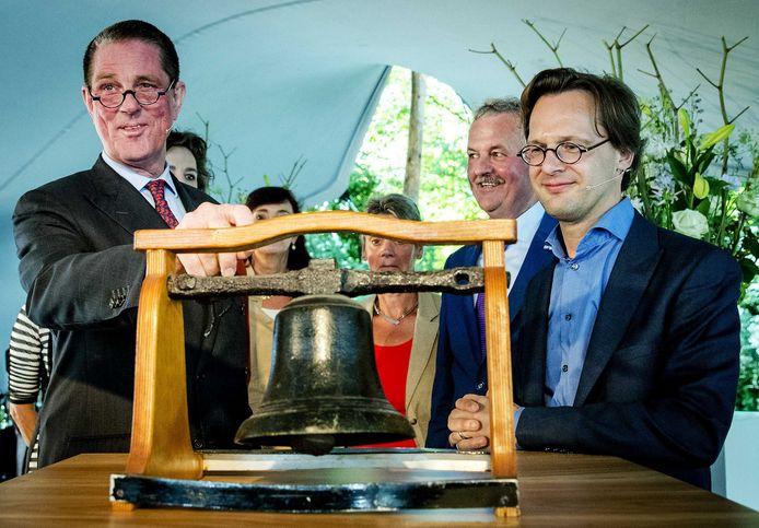 Paul Loven (links) en Ronald van Raak (rechts) openden in 2016 het Huis van de Klokkenluiders.
