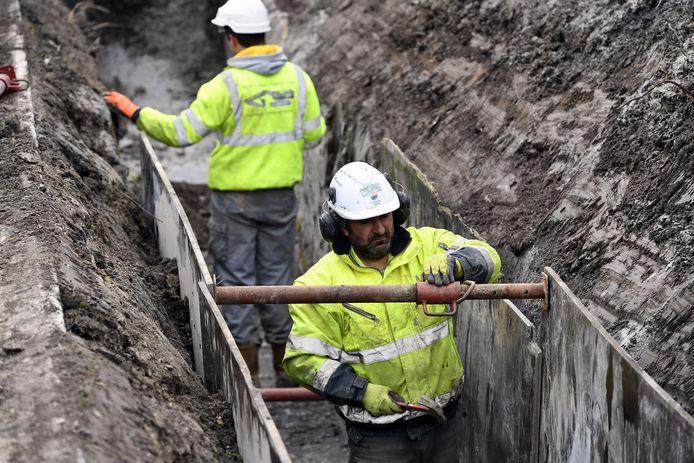 Tussen de conversiestations in België en Duitsland is een 90 kilometer lange ondergrondse stroomkabel aangelegd.