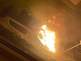 Uitgebrande wagen in Brugse Poort blijkt na onderzoek aangestoken