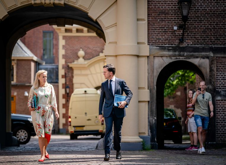 D66-leider Sigrid Kaag en VVD-leider Mark Rutte zullen naar alle waarschijnlijkheid niet zelf de aanzet van een regeerakoord gaan schrijven, maar dat overlaten aan leden van hun Kamerfracties. Beeld ANP