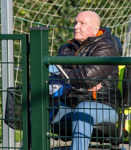 Hennie van Werven geniet in het zonnetje van topper in zijn 'Apeldoornse Bundesliga'
