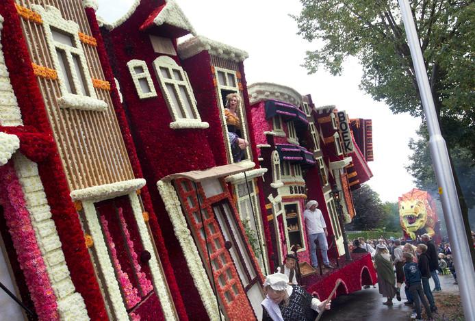 De wagen 'Boekenstad' van Vedut Nogal won de publieksprijs.