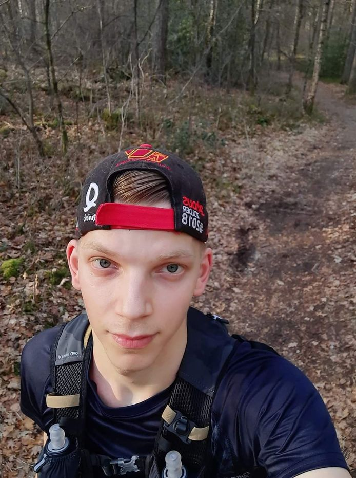 Genkenaar Jasko Braem (25) gaat op 25 april een marathon lopen op een atletiekpiste voor het goede doel.