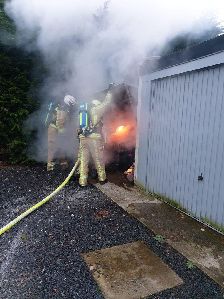 De brandweer moest de vlammen bestrijden.