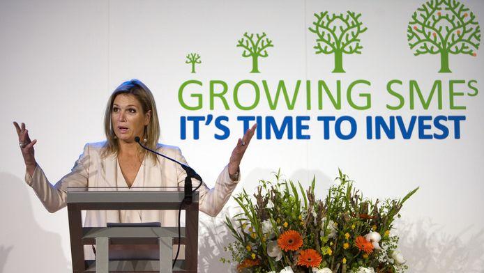 Prinses Maxima houdt een toespraak in 2010 tijdens het evenement Growing SMEs: it's time to invest in Den Haag. Het evenement richt zich op het koppelen van investeerders aan ondernemers uit ontwikkelingslanden.