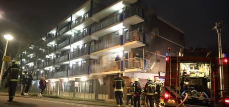 Meer dan twintig appartementen ontruimd na brand in kelder