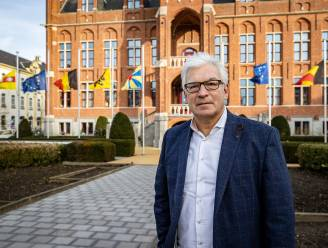 """Piet De Groote (54) wordt waarnemend burgemeester van Knokke-Heist: """"Enkele dagen geleden belde Leopold me op. 'Piet, het gaat niet goed met me', zei hij"""""""