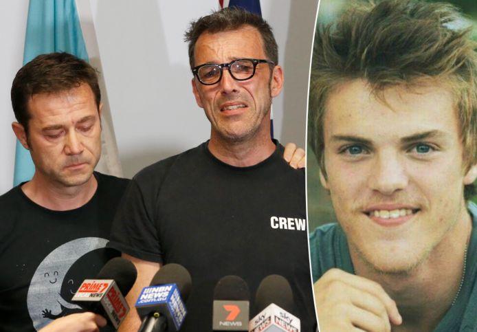 Théo's dooppeter Jean-Philippe Pector (links) en vader Laurent Hayez tijdens een persconferentie in Australië in 2019.