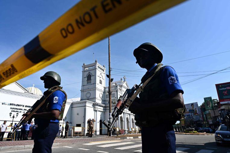 Sri Lanka maakt de zwaarste aanslagengolf mee sinds het einde van de burgeroorlog. Beeld AFP