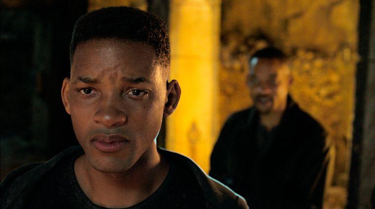Will Smith als de jonge Junior, op de voorgrond, en Henry Brogan in de film 'Gemini Man'. Beeld AP