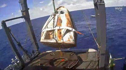 Onbemande Dragon-ruimtecapsule veilig in zee geploft