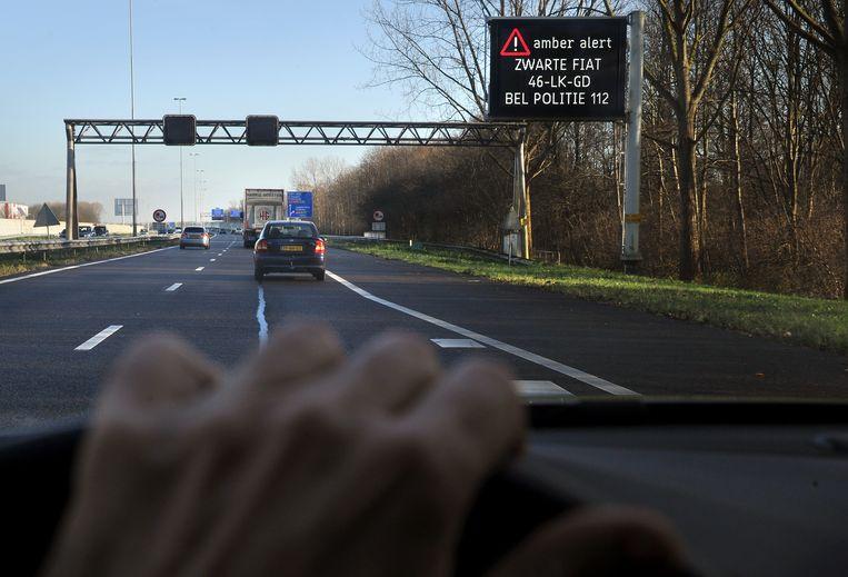 Het eerste Amber Alert op een matrixbord langs snelweg, in 2011. Beeld Marcel van den Bergh