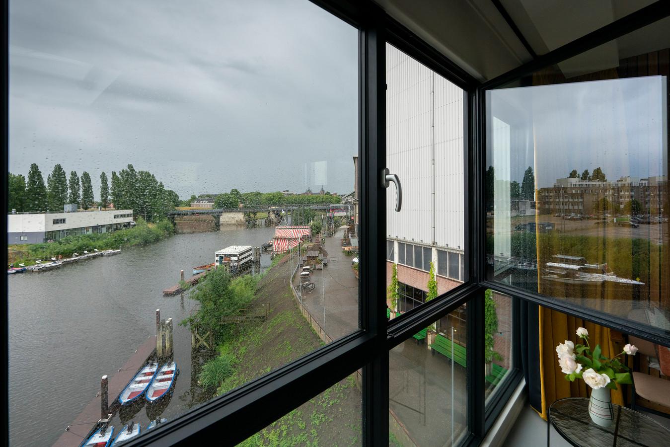 Tramkade en Orthenpoort (links) moeten in de toekomst Stadsdelta worden én bij de Bossche binnenstad getrokken worden.
