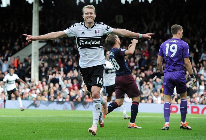 André Schürrle juicht na een goal namens Fulham tegen Arsenal vorig jaar.