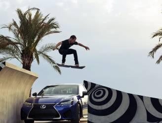 Met zwevend skateboard toont Lexus vooral zijn spierballen