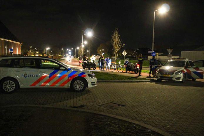 De politie greep donderdagavond in om te voorkomen dat twee groepen jongeren elkaar te lijf gingen.