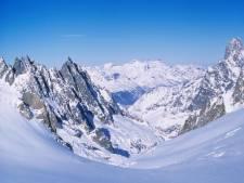 Des microplastiques jusque dans les neiges des Alpes et de l'Arctique