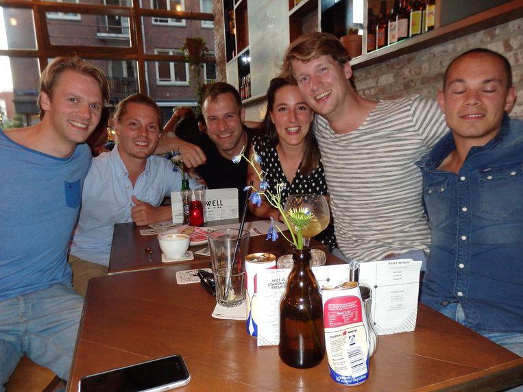 Maarten Roeloffs, Leonard Schmidt, Bram van Gemert, Renée Helmers, Willem Rademacher en Serge Steenen. Team Bitterballen, op voordracht van Schmidt, een Duitser. Beeld Hans van der Beek