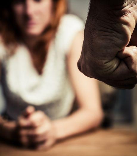 Waarom slaan mannen hun vrouw? 'Ja, af en toe kreeg mijn vriendin een tik'