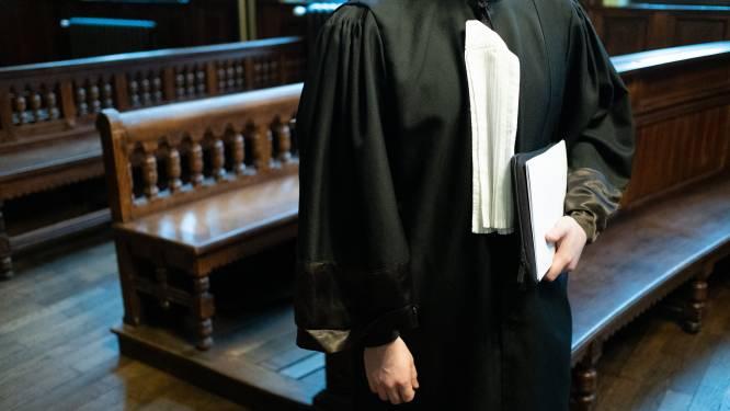 Broers nemen ex-werkgever onder handen na niet betaling van loon, parket eist 18 maanden effectief