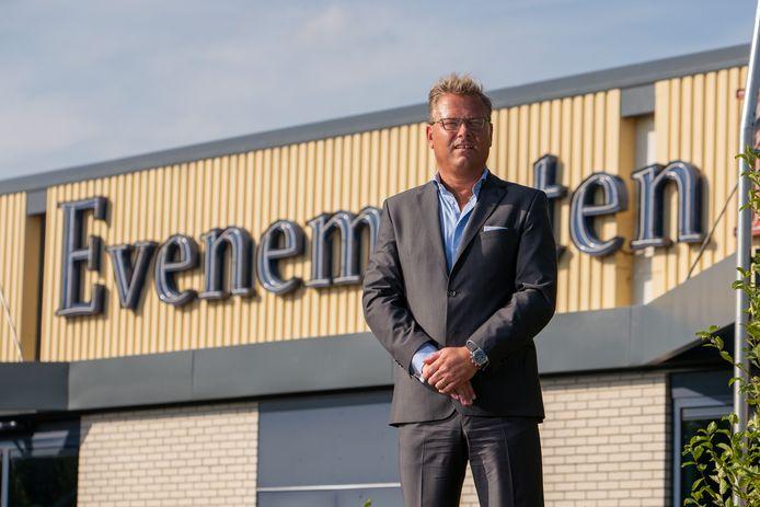CEO van Easyfairs Nederland Jeroen van Hooff voor de Evenementenhal Hardenberg.